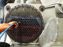 Focus On The Condenser Tube, Cleaning Chiller Condenser Tubes With Brushs - Condenser Tubes Cleaning
