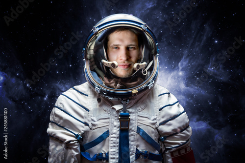Foto close up portrait of young astronaut completed space mission b