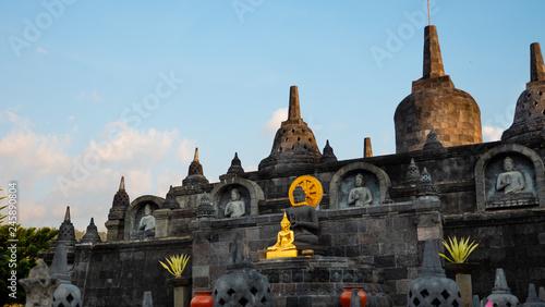 Fotografia  buddhist temple Brahma Vihara Arama with statues gods