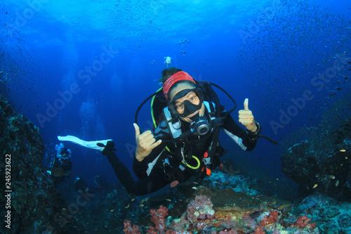 Canvas Prints Diving Female scuba diver