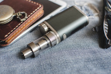 Advanced Personal Vaporizer Or E-cigarette
