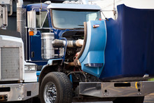 Blue Big Rig Semi Truck With O...