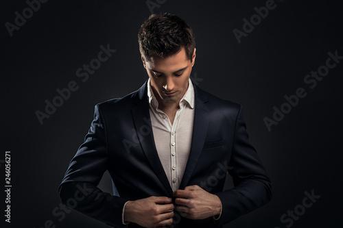 Fotografía  Handsome young elegant man in suit.