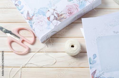 Fényképezés  Book binding