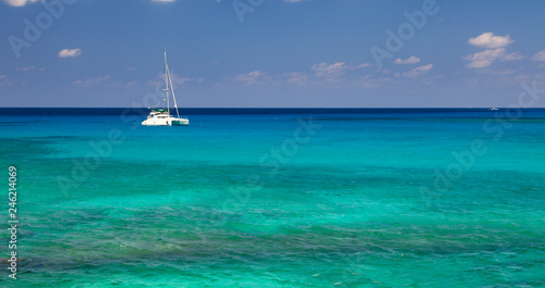 Photographie Sailboat on the Caribbean