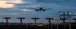 Panorama Flugzeug beim Landeanflug