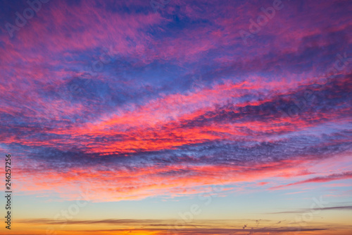 Poster Prune Colorful cloudscape at sunset