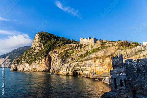 Photographie Panorama of Byron's Grotto in Porto Venere, Liguria, Italy
