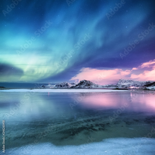 Photo  Aurora borealis on the Lofoten islands, Norway