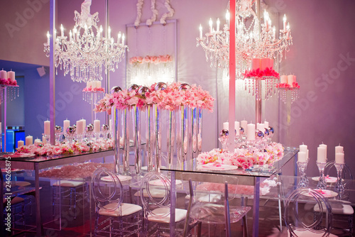 high end wedding decor with pink tablescape Fototapet
