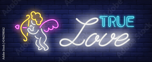 Photo True love neon text and cupid with bow