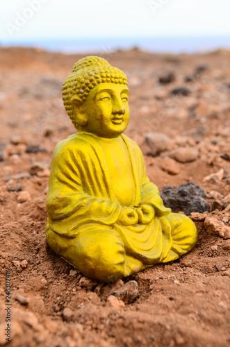 Fotografia  One Ancient Buddha Statue