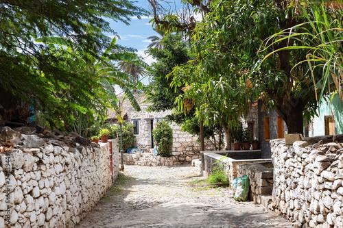 ulica-banana-na-starym-miescie-w-santiago-wyspy-zielonego-przyladka-wyspy-zielonego-przyladka