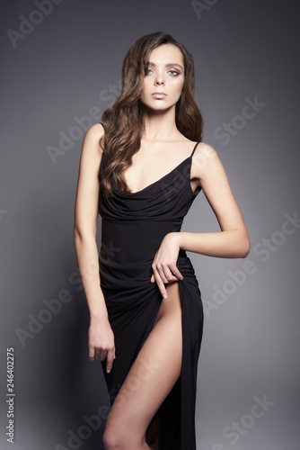 Foto op Plexiglas womenART Fashion photo of beautiful lady in black dress