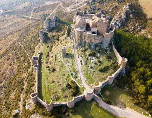 Fotobehang Historisch geb. Famous fortress Castillo de Loarre in Navarre. Aragon. Spain