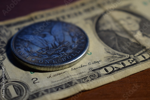 Fototapety, obrazy: US dollar bill and coin