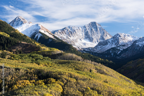 Fotografía  Capital Peak 14,130 feet is a famous Colorado Mountain within the White River National Forest, Colorado