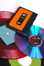 CD, Disque Vinyle Rouge Et Noi...