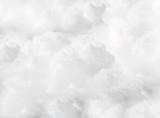 białe puszyste chmury cumulusowe pełny płomień - 246510402