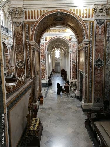 Fotografia, Obraz  Monopoli - Navata laterale della chiesa della Ss Madia