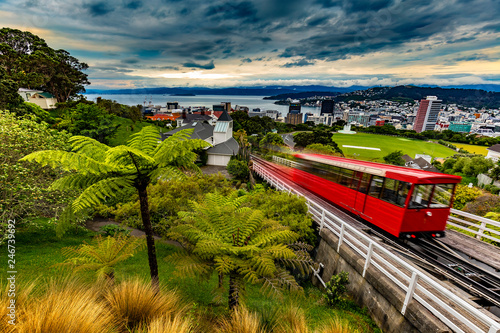 Poster Nieuw Zeeland New Zealand, North Island. Wellington, the capital city. Wellington Cable Car and view from Kelburn Hill