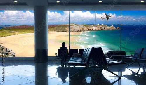 aspettare in aeroporto il volo per le vacanze al mare Canvas Print