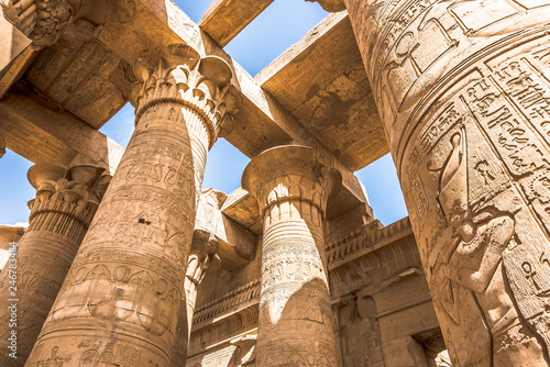 Photo  Pillars at the temple of Kom Ombo, decorated with hieroglyphics