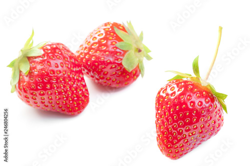 Tela ripe Strawberry isolated on white background close up