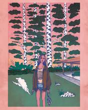 Frau Steht Im Wald An Einem Loft
