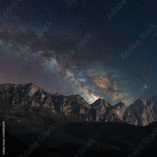 Fényképezés  Galaxy on the mountains