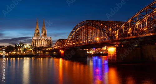 Zdjęcie XXL Panorama miasta Kolonii z katedry i mostu