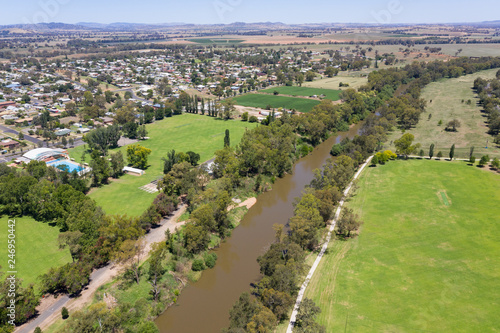 Foto op Plexiglas Oceanië Aerial view of Cowra and the Lachlan River. Cowra NSW Australia