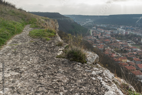 Photographie  The fortress Ovech which is located above the town of Provadia.