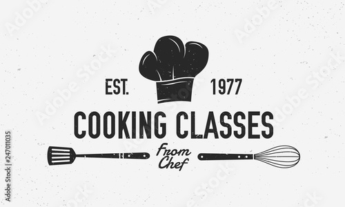 Fototapeta Cooking vintage logo. Cooking Class template logo with spatula and whisk . Modern design poster. Label, badge, poster for food studio, cooking courses, culinary school. Vector illustration obraz
