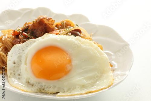 Poster Egg Fried noodles and sunny side up fried egg