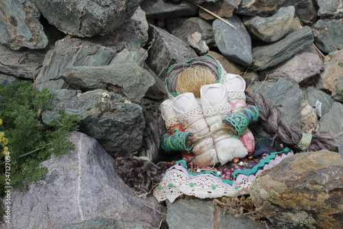 Photographie  Voodoo doll in Altai mountains.