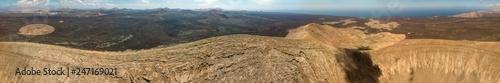 Photo  Vista aerea di Timanfaya, parco nazionale, vista panoramica di vulcani, montagne