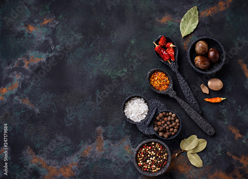 Photo  Various type of dry herbs and spices