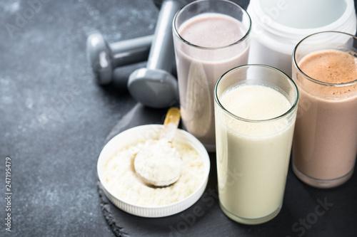 Fotografia  Protein cocktails in glasses, sport nutrition.