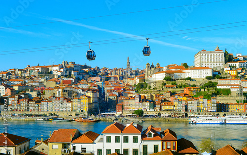 Fotobehang Europa Porto Old Town cable car