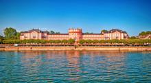 Schloss Biebrich In Landeshauptstadt Wiesbaden Am Rhein, Hessen