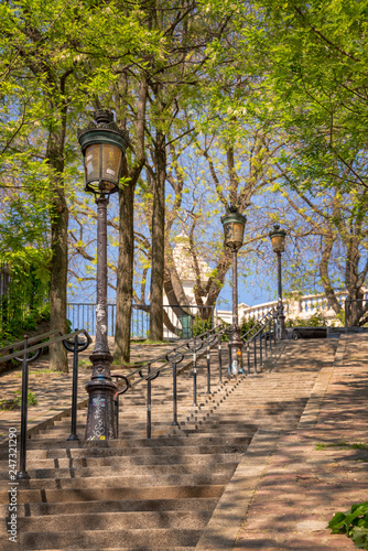 In de dag Centraal Europa Typical Montmartre staircase and old street lamps, in Paris France