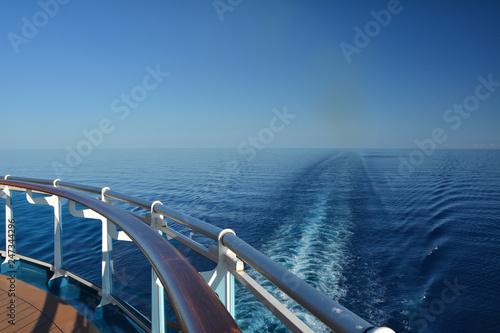 Fotografia  Wake of the cruise ship.