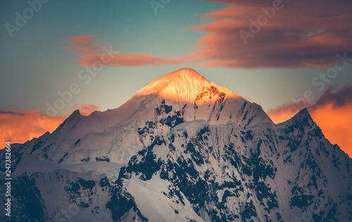 Fotografía Mountain top colorful sunet, Antarctica