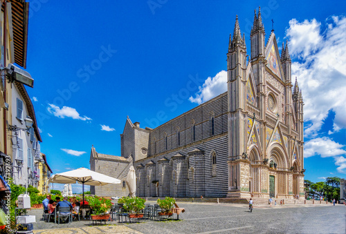 Fotobehang Historisch geb. Seitenansicht des Domes in Orvieto
