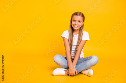 Photo Portrait of her she nice cute sweet attractive cheerful straight-haired pre-teen