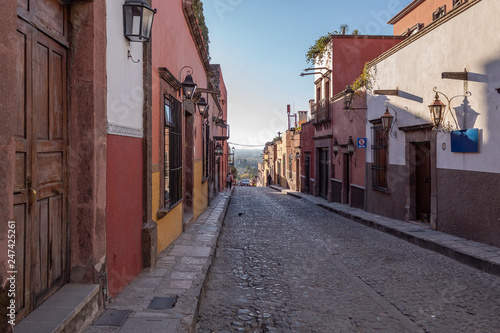 Canvas Prints Narrow alley CALLES DE SAN MIGUEL DE ALLENDE