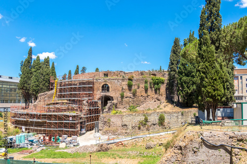 Carta da parati The Mausoleum of Augustus is a large tomb built by the Roman Emperor Augustus in