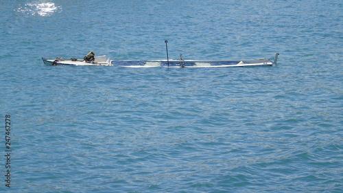 Photo Barca affondata in mare. Sud Italia