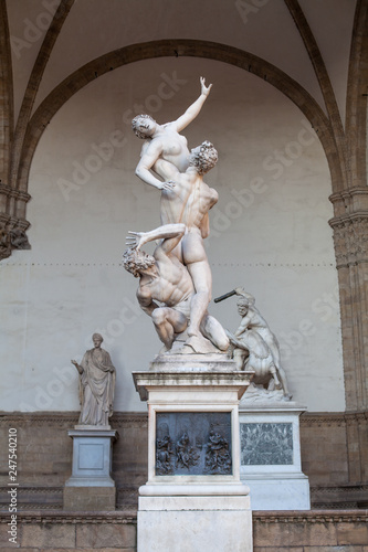 Fotomural Florence sculpture of The Rape of the Sabine Women (Ratto delle Sabine) by Giamb
